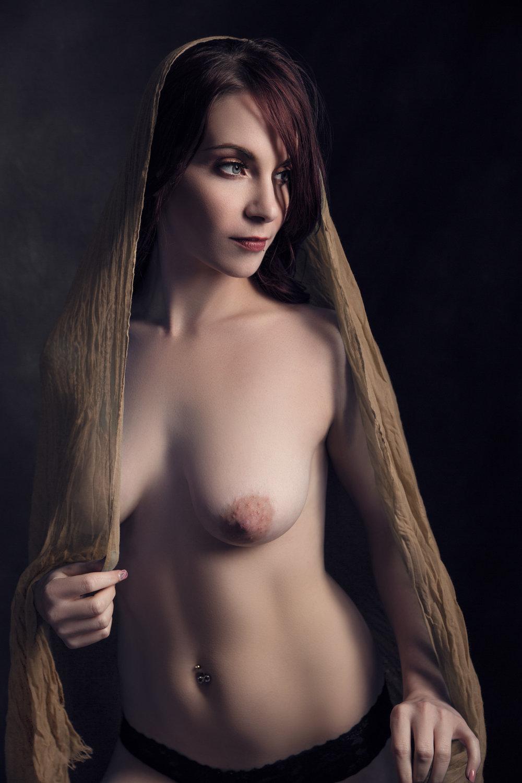 Nude Boudoir Photo