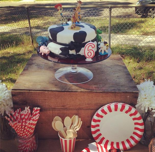 Cake Stand $8
