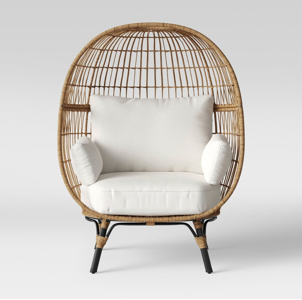 - Ummm…putting this on my summer wish list. Obsessed! Like a throne for a Queen!Find it here.