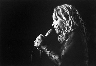 Cassandra Wilson performing at the Contemporary Arts Center | Jazz Bakery Exhibition 2002