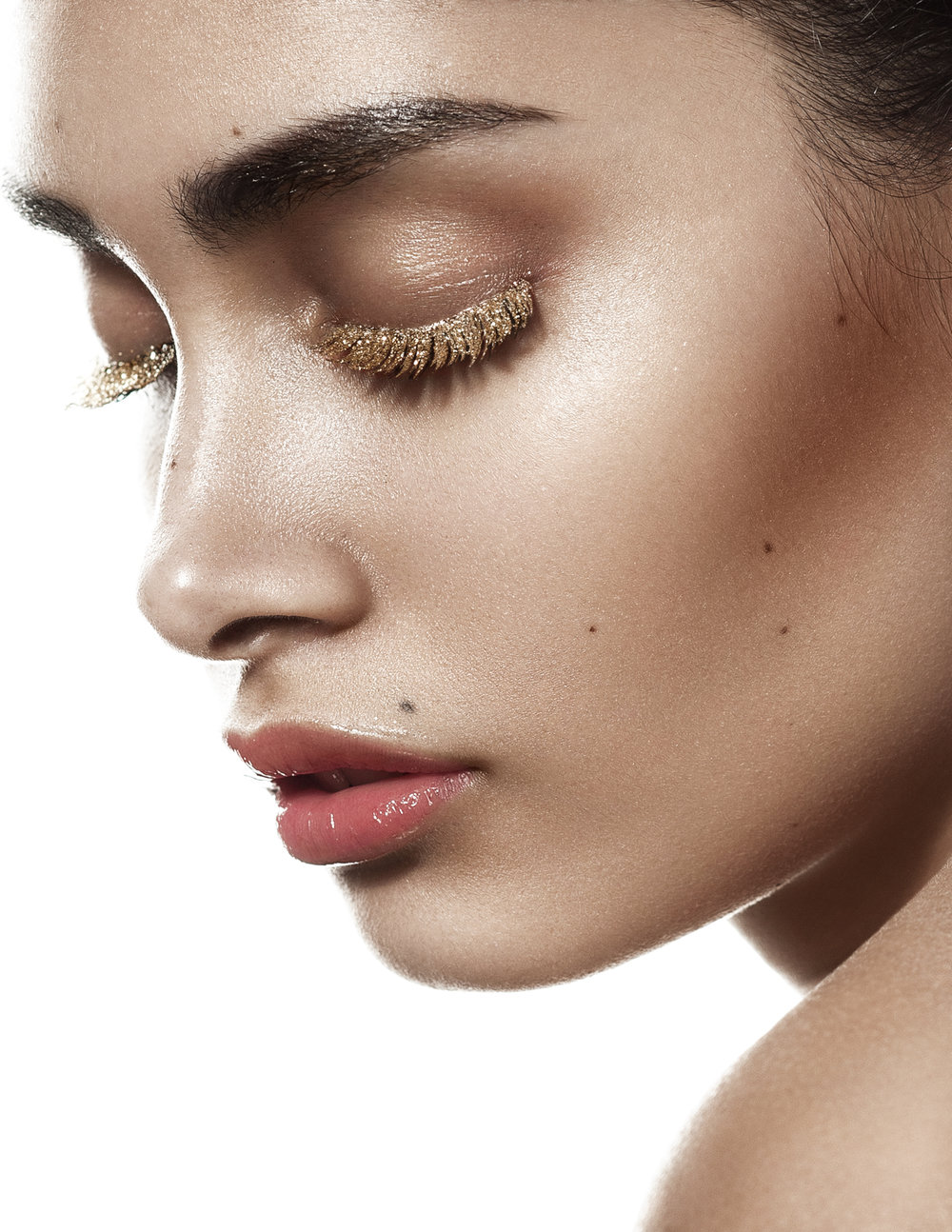 Jessieka Soto - Gold lashes profile.JPG
