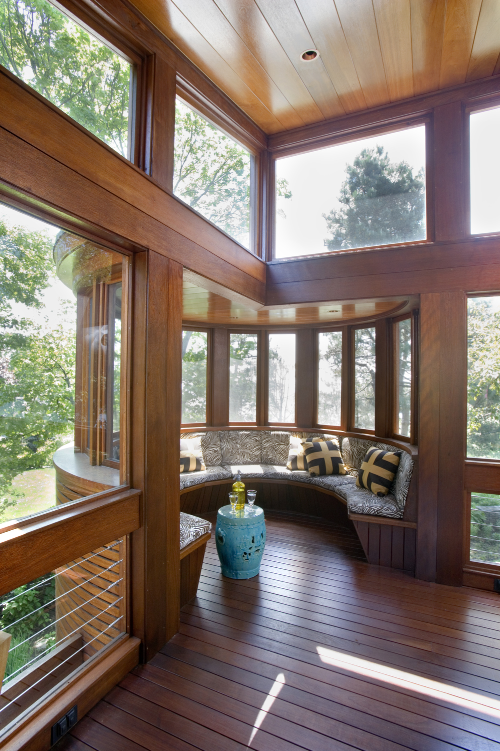 1000 images about window seats nooks benches on for Window sitting area