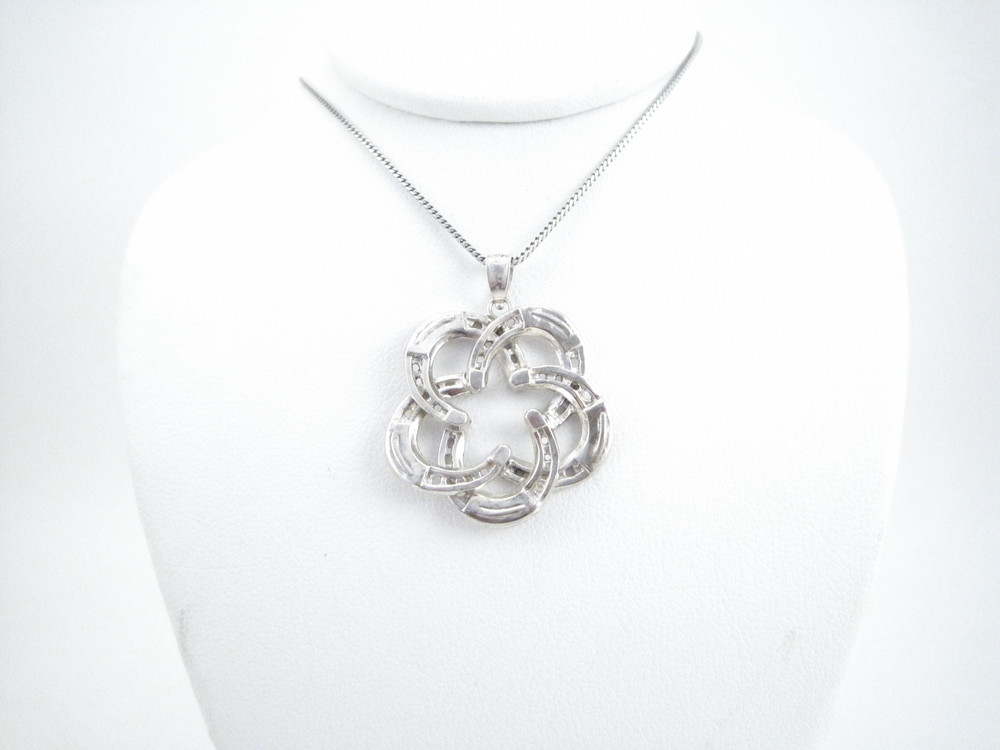 "Horseshoe ""Star"" Necklace"