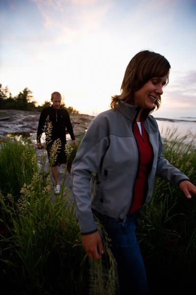 «Kystien» er en merket gangsti som er tilgjengelig for alle.   Hensikten er å sikre ferdselsrett i kystsonen og på den måten å åpne mulighet for at folk flest skal få adgang til vandring i den vakre strandsonen.
