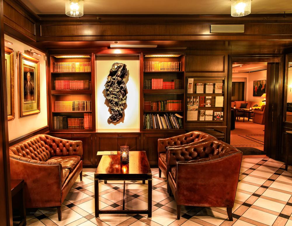 Utsnitt av hotellets lobby.