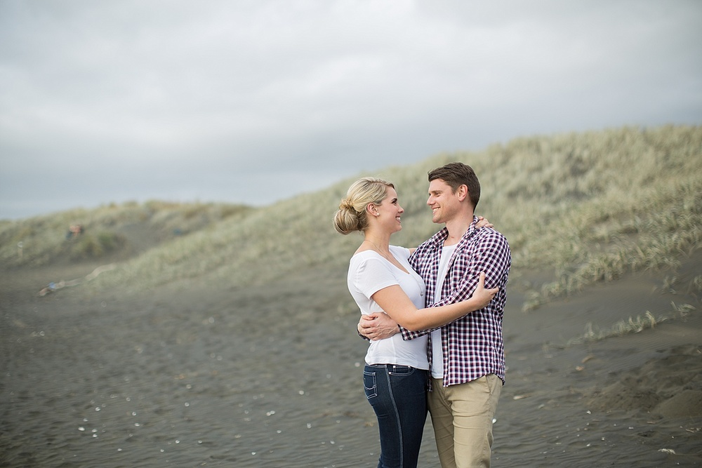 muriwai-engagement02.jpg