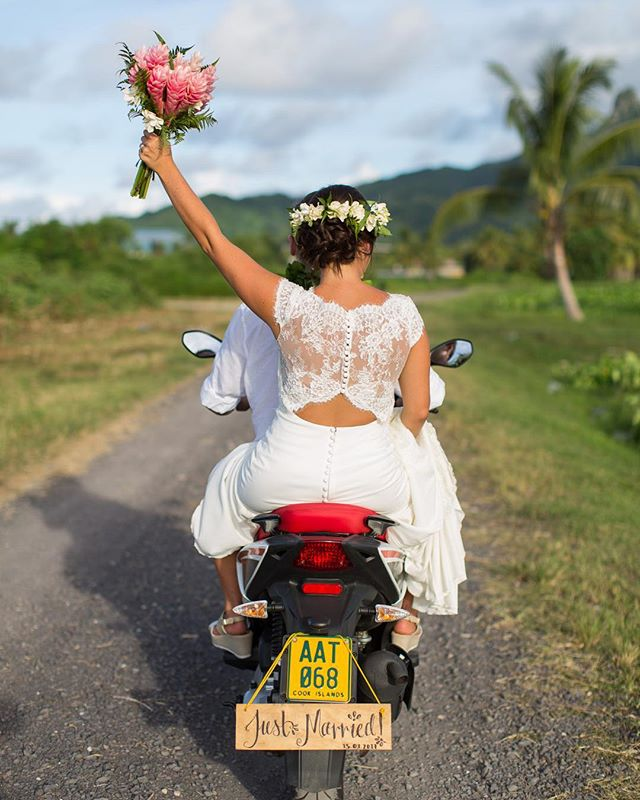 Raro vibes 😊💐 #rarotonga #crownresort #justmarried