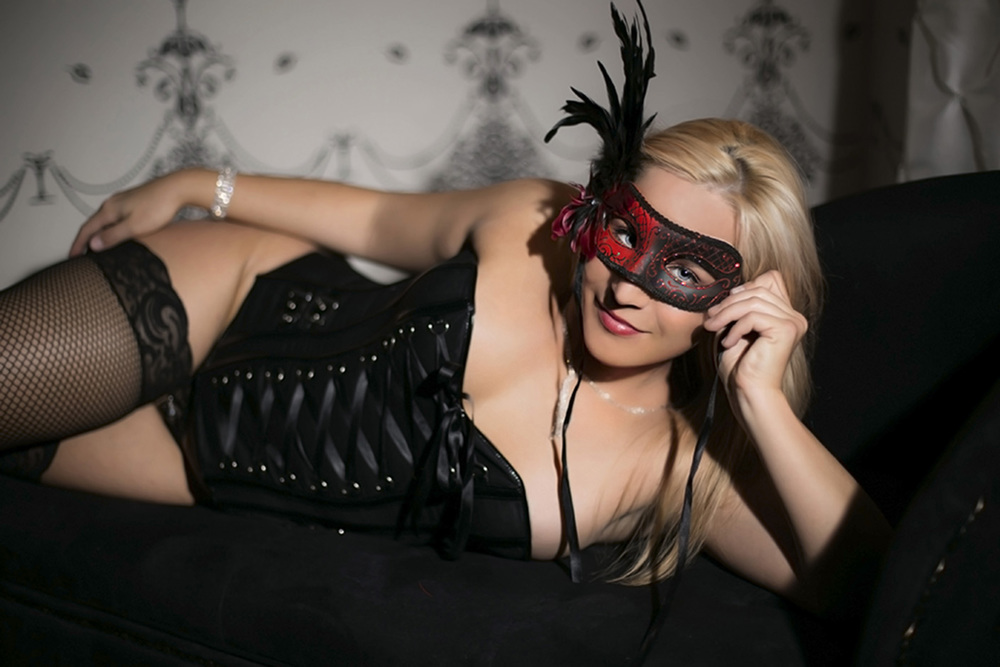 Chicago Boudoir Photography with Full Wardrobe and Accessories