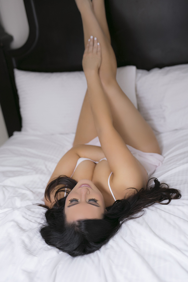 Boudoir Studio Woman Posing