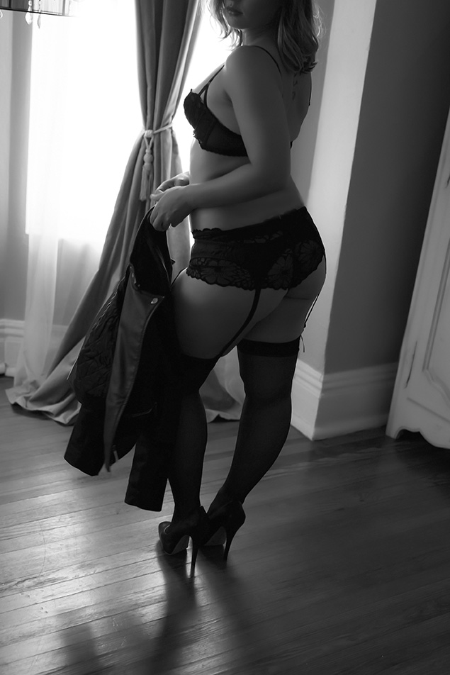 Chicago Boudoir Photography Black and White