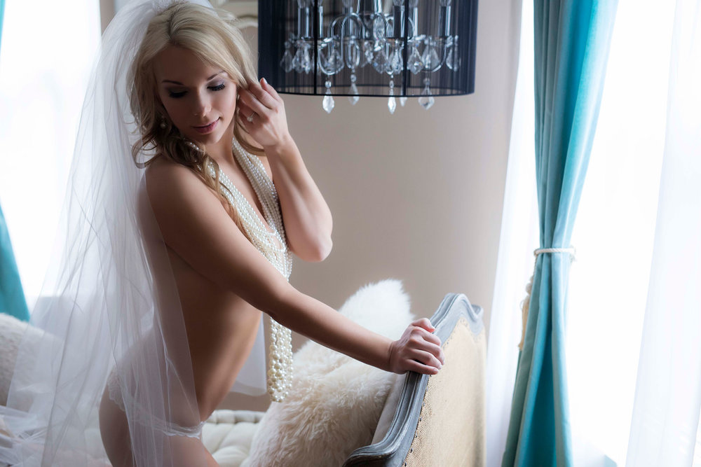demi-girl-best-boudoir-photographer-chicago.jpg