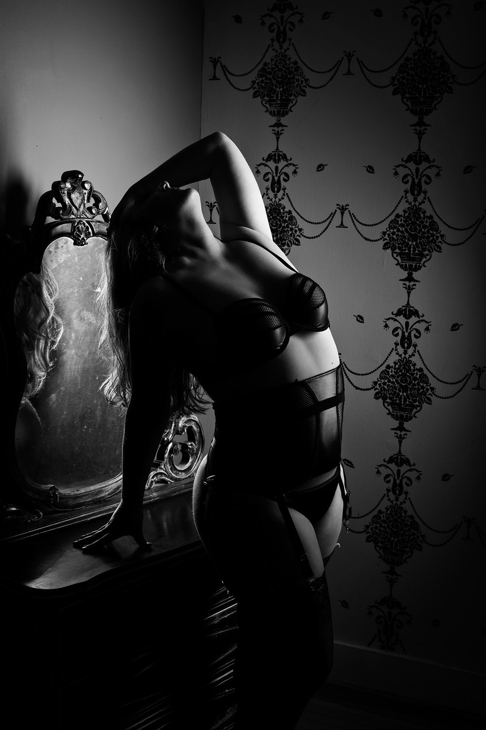 Black-and-White-Boudoir.jpg