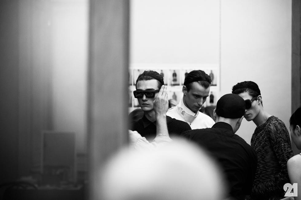 6980-Le-21eme-Adam-Katz-Sinding-Backstage-Tillmann-Lauterbach-Milan-Mens-Fashion-Week-Spring-Summer-2015_AKS2562.jpg