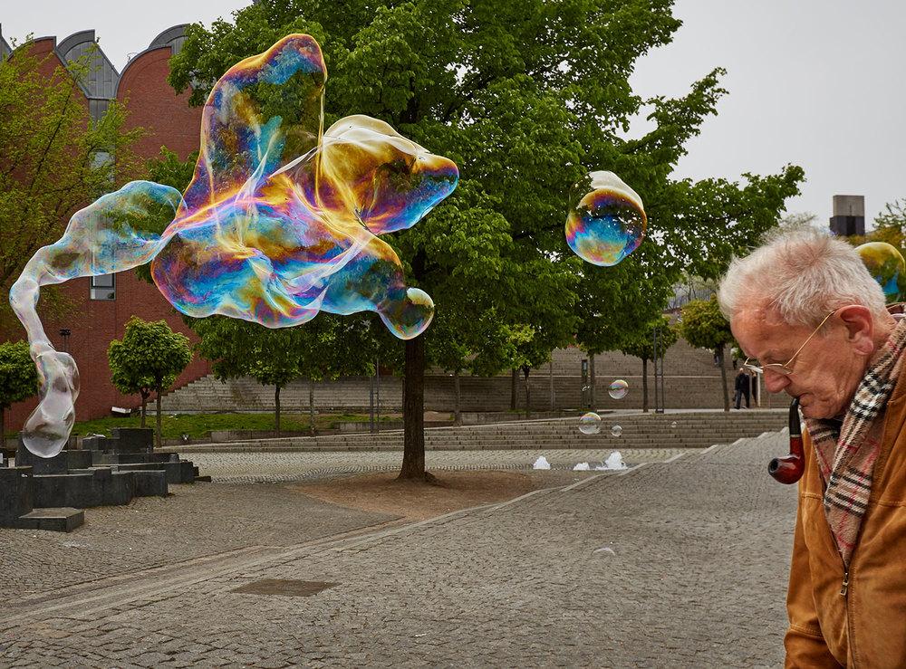 Bubbles_pipeman.jpg