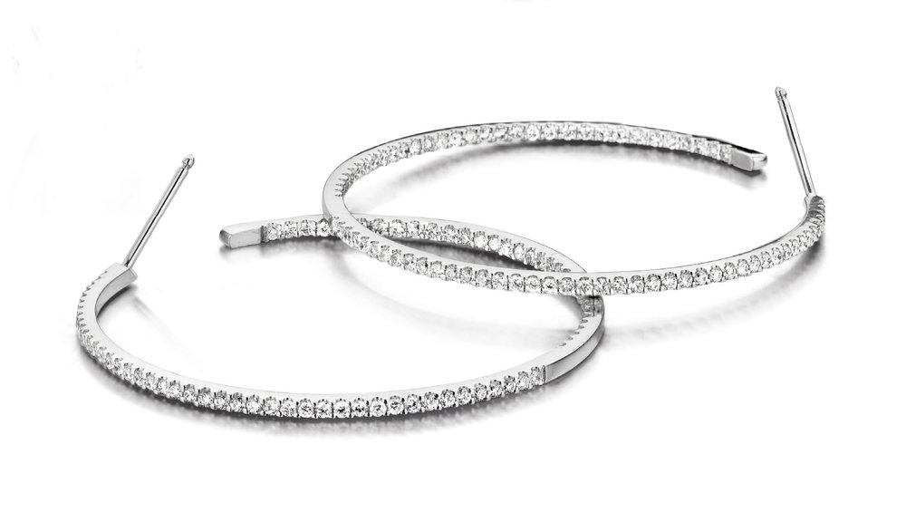 Creolen wit goud en diamant  Vanaf 1230 EUR