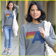 Olivia Munn, Sheepskin Vegan Fur Tote, January 2012