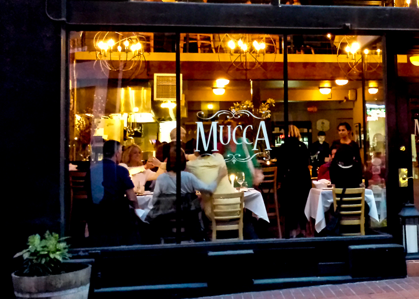 mucca.osteria.romantic.outdoor.dinner