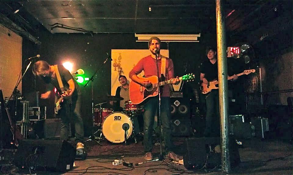 We Are Headlight: 2009-2012 Jorge Figueroa, Nick Kallies, Vinnie Thomas Bassists (studio and live): Rob Morgan, Aaron Fabbrini, Lee Carter
