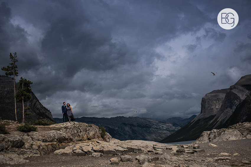 Banff_wedding_photographers_engagement_AngelaWandy_07.jpg
