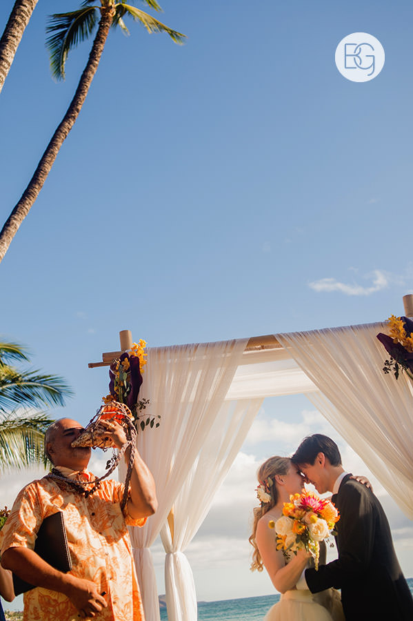 destination_wedding_photographer_hawaii_edmonton_maui_kristarandor_29.jpg