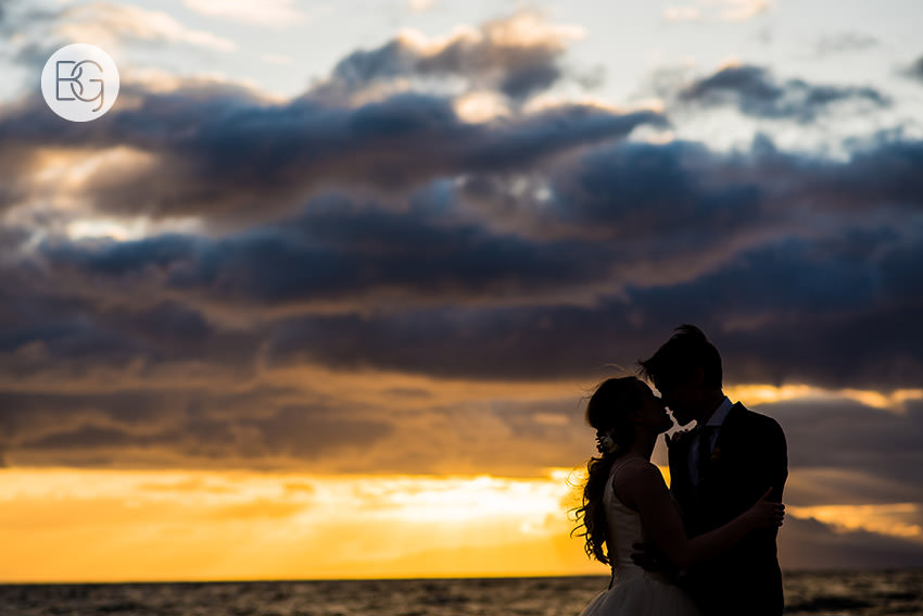 destination_wedding_photographer_hawaii_edmonton_maui_kristarandor_36.jpg