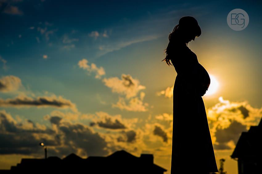 Edmonton maternity photographer silhouette