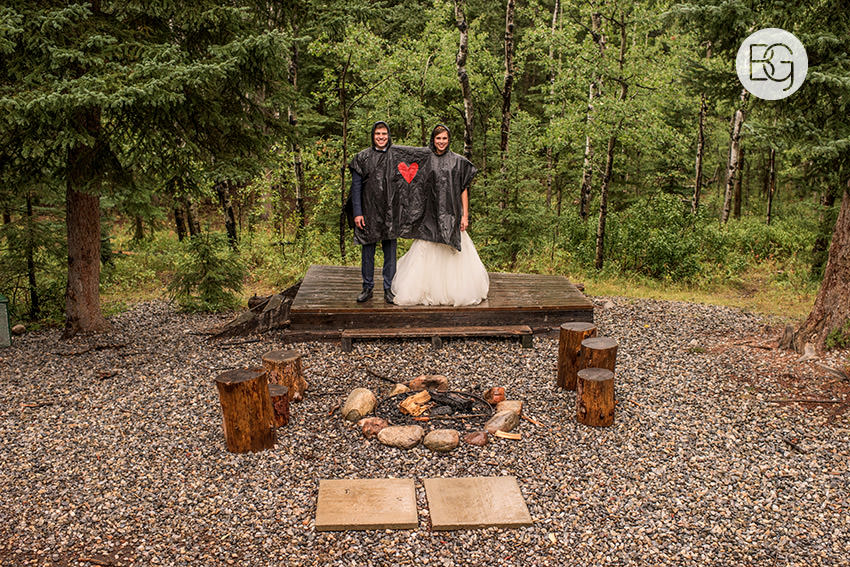 canmore-banff-wedding-photographers-kat-aaron-summer-camp-wedding-rain-29.jpg
