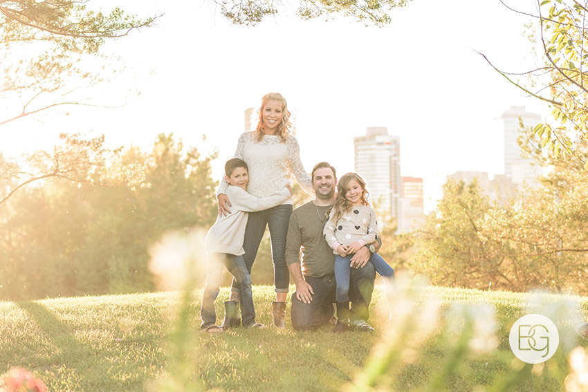 edmonton-family-photos-autumn-river-valley-best-photographer-ahronson-01.jpg