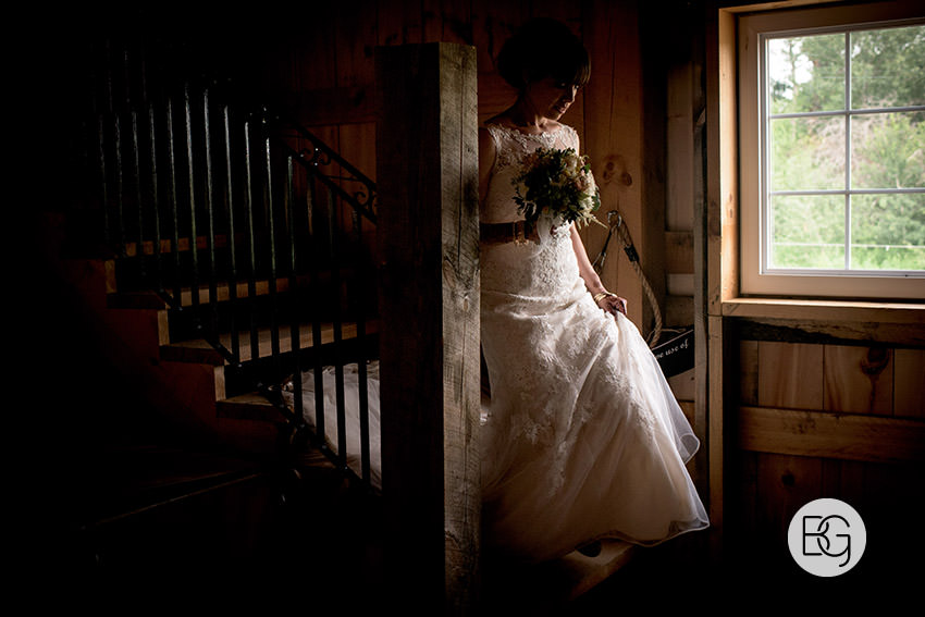 Edmonton-wedding-photographers-lions-gardens-outdoor-wedding-tofield-shireenlance-08.jpg