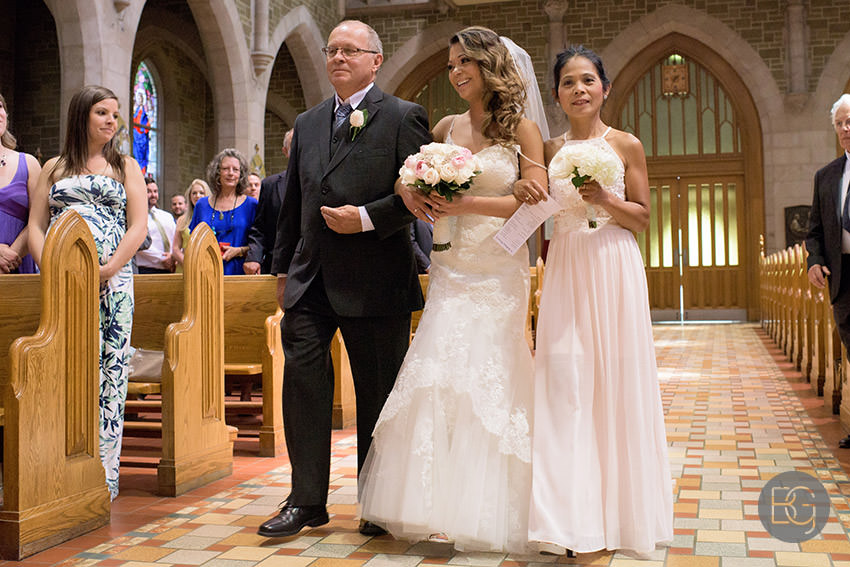 Edmonton-wedding-photographers-art-gallery-of-alberta-aga-basilica-yvonne-chris-11.jpg