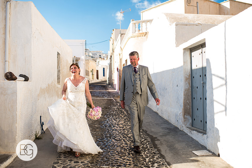 Santorini oia megalochori wedding photographers elopement streets beautiful romance
