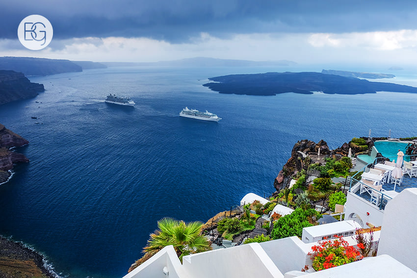 Edmonton-destination-wedding-photographers-santorini-wedding-megalochori-oia-regken-02.jpg