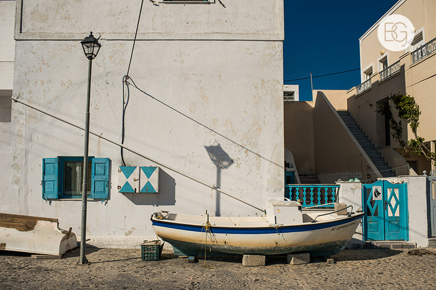 Edmonton-destination-wedding-photographers-santorini-wedding-megalochori-oia-regken-06.jpg