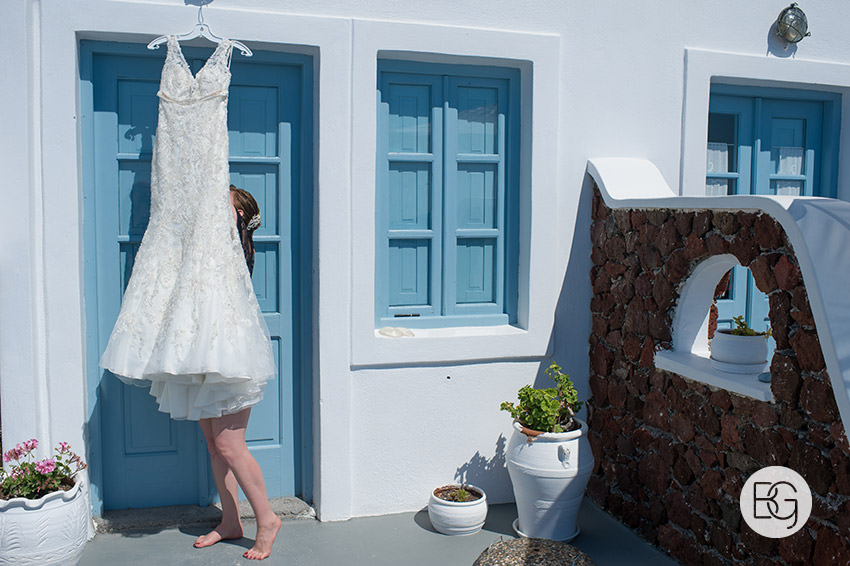 Edmonton-destination-wedding-photographers-santorini-wedding-megalochori-oia-regken-13.jpg