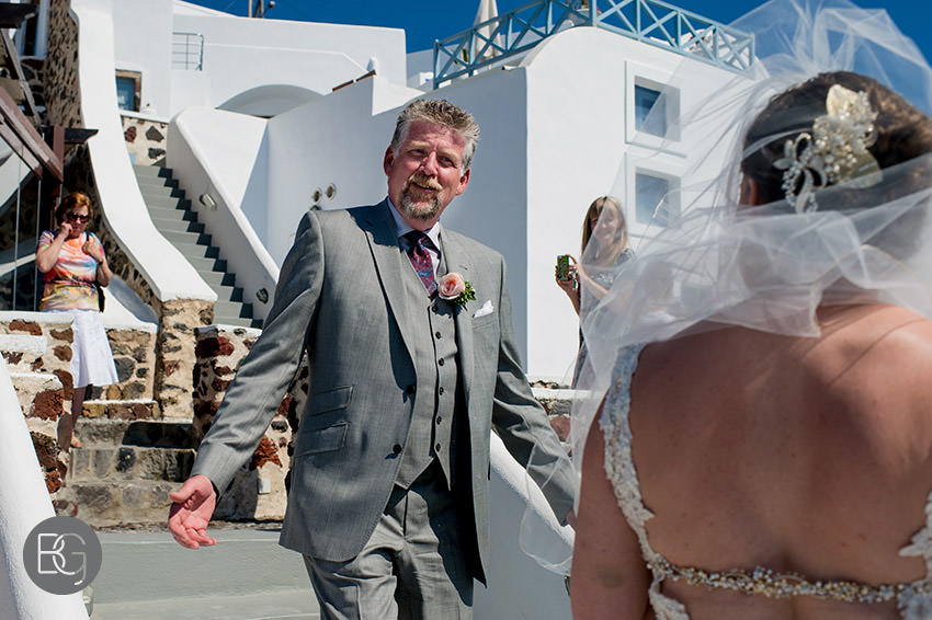 Edmonton-destination-wedding-photographers-santorini-wedding-megalochori-oia-regken-21.jpg