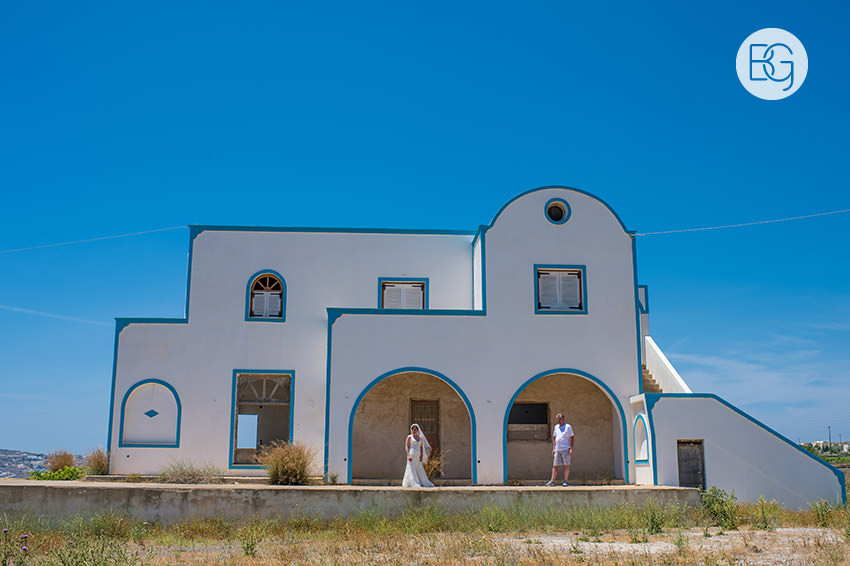 Edmonton-destination-wedding-photographers-santorini-wedding-megalochori-oia-regken-44.jpg