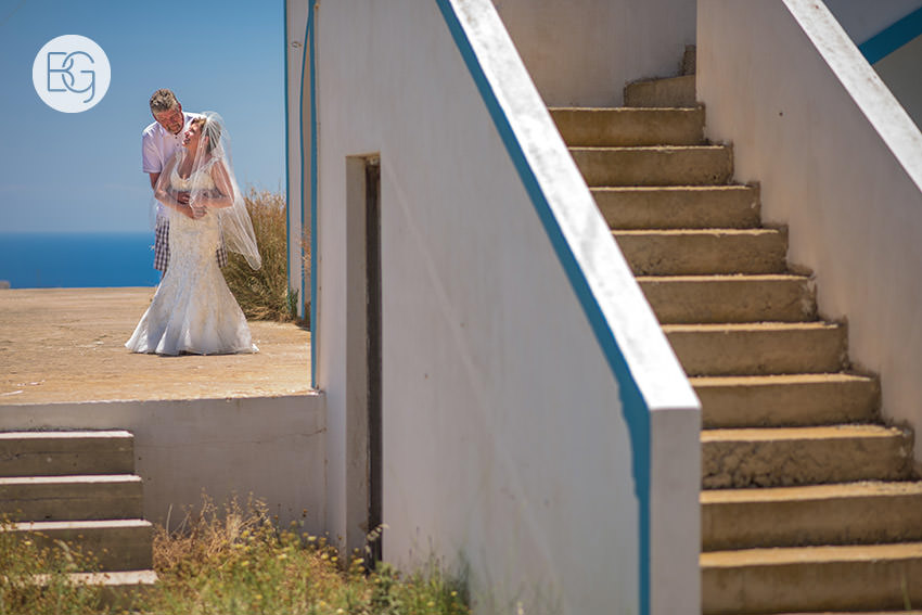 Edmonton-destination-wedding-photographers-santorini-wedding-megalochori-oia-regken-45.jpg
