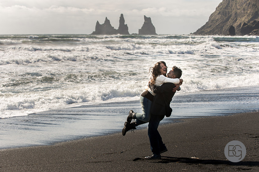 Iceland-wedding-photographers-jokulsarlon-vik-engagement-rajeileen-05.jpg