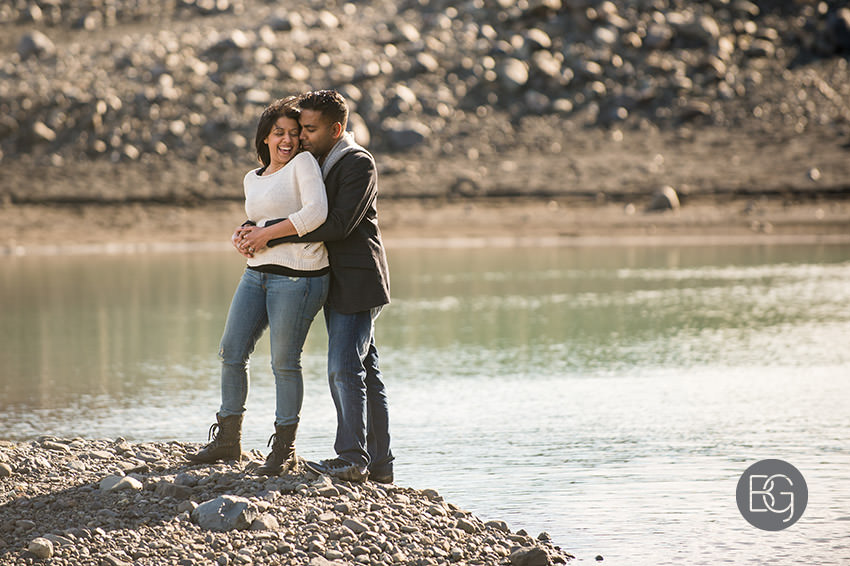 Iceland-wedding-photographers-jokulsarlon-vik-engagement-rajeileen-12.jpg