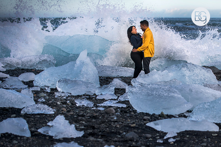 Iceland-wedding-photographers-jokulsarlon-vik-engagement-rajeileen-23.jpg