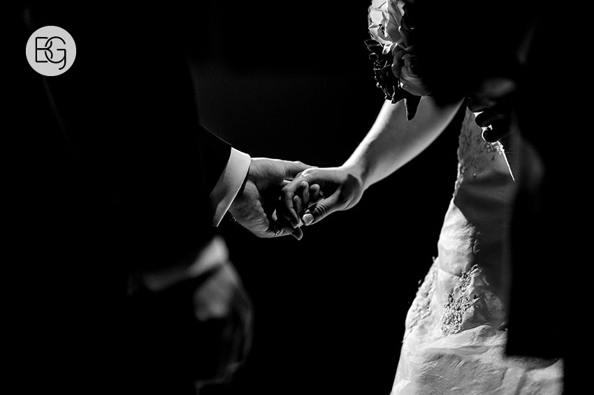 Edmonton_Wedding_photographers_winter_fort_edmonton_park_christinapatrick_11.jpg
