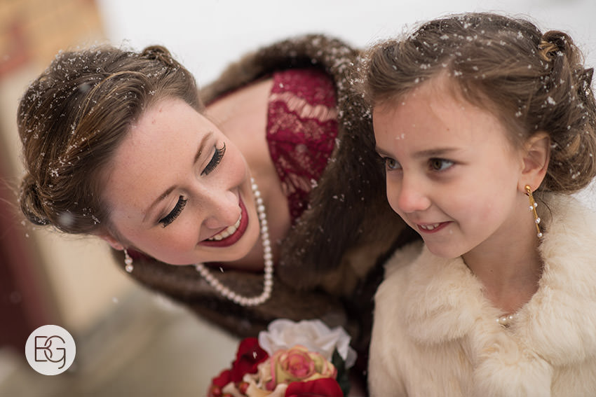 Edmonton_Wedding_photographers_winter_fort_edmonton_park_christinapatrick_19.jpg