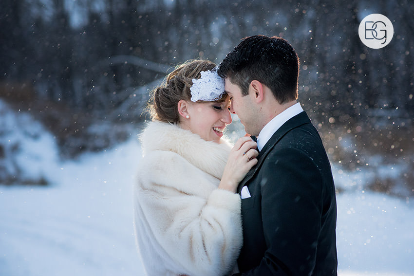 Edmonton_Wedding_photographers_winter_fort_edmonton_park_christinapatrick_28.jpg
