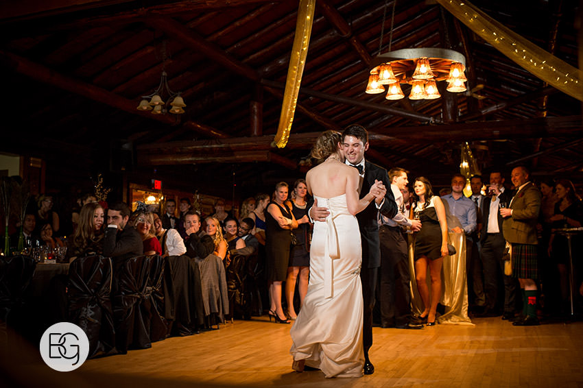 Edmonton_Wedding_photographers_winter_fort_edmonton_park_christinapatrick_40.jpg