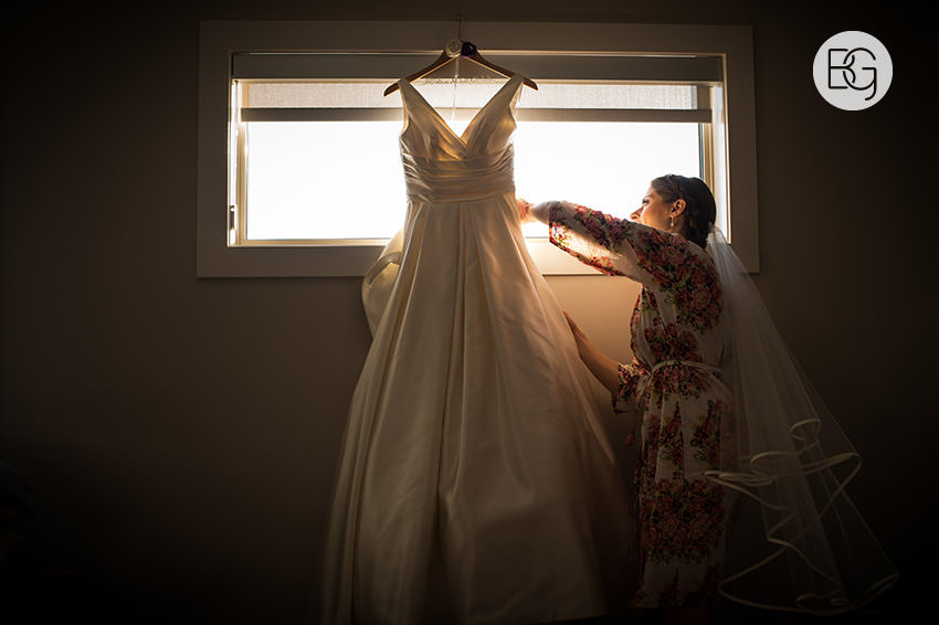 Edmonton_Wedding_photographers_art_gallery_alberta_paige_george05.jpg