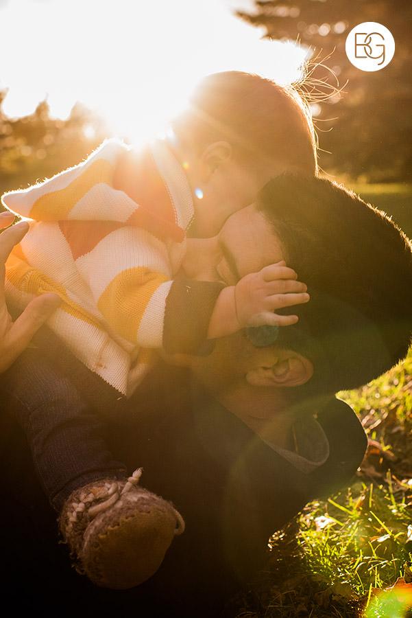 edmonton autumn light family photo