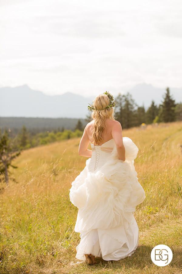 beautiful bride dress alberta mountain foothills