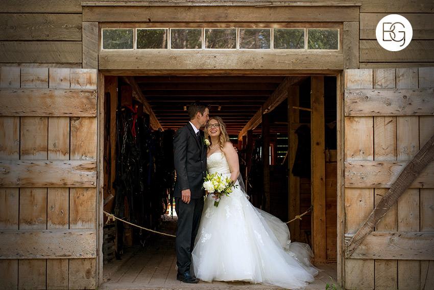 Edmonton_wedding_photographers_fort_edmonton_calgary_shannonkyle_08.jpg