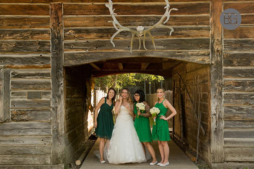 Edmonton_wedding_photographers_fort_edmonton_calgary_shannonkyle_28.jpg