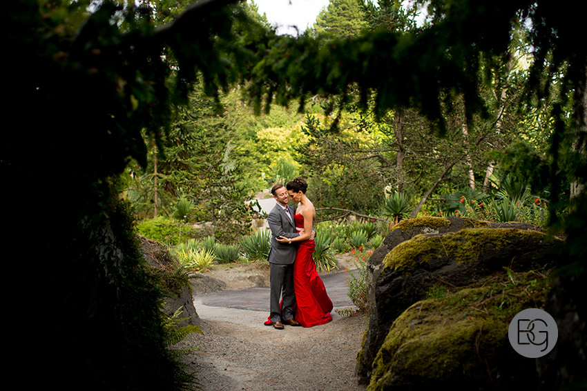 Edmonton_wedding_photographer_vancouver_photos_UBC_boathouse_RoGeoff11.jpg